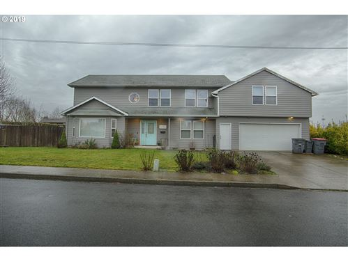 Photo of 1822 NE HEMBREE ST, McMinnville, OR 97128 (MLS # 19277461)