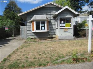 Photo of 7023 SE 72ND AVE, Portland, OR 97206 (MLS # 19023462)