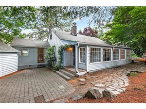 Photo of 2510 SW HUME CT, Portland, OR 97219 (MLS # 19155463)