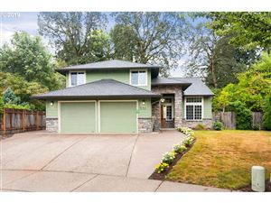 Photo of 831 SE 60TH AVE, Hillsboro, OR 97123 (MLS # 19452463)