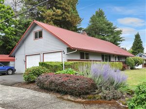 Photo of 10006 SE 49TH AVE, Milwaukie, OR 97222 (MLS # 19190464)