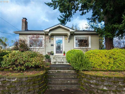 Photo of 6715 NE FREMONT ST, Portland, OR 97213 (MLS # 19391464)