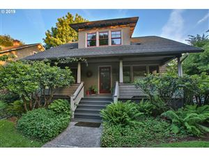 Photo of 4406 SE CLAY ST, Portland, OR 97215 (MLS # 19033465)