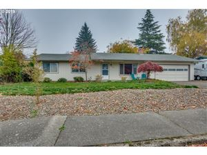 Photo of 2724 NE MELODY WAY, McMinnville, OR 97128 (MLS # 19132467)