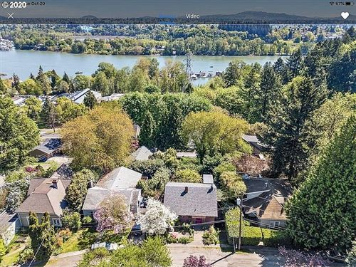 Photo of 7624 S FULTON PARK PL, Portland, OR 97219 (MLS # 20521469)