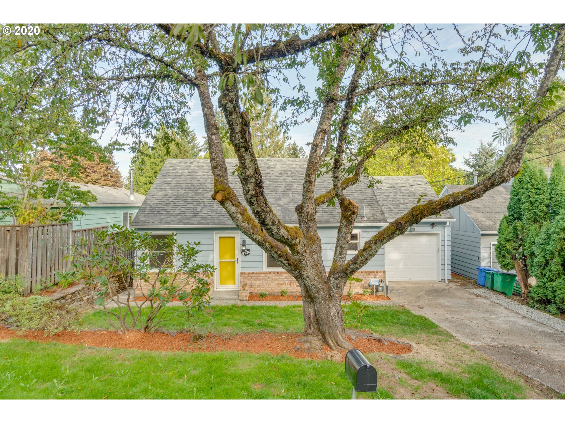 8936 SW 14th AVE, Portland, OR 97219 - MLS#: 20613469