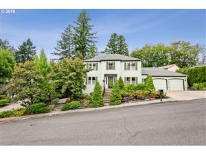 Photo of 7615 SW 51ST PL, Portland, OR 97219 (MLS # 19107470)