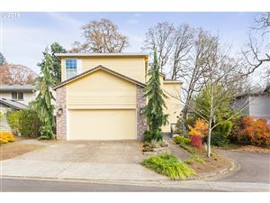 Photo of 16946 LOWER MEADOWS DR, Lake Oswego, OR 97035 (MLS # 19507471)