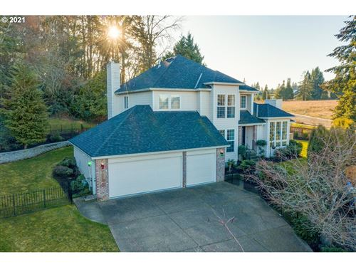 Photo of 1235 NW COUNTRYSIDE CT, McMinnville, OR 97128 (MLS # 21364473)
