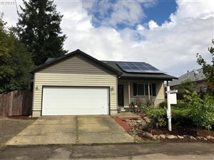 Photo of 13805 SE MALL ST, Portland, OR 97236 (MLS # 19178474)