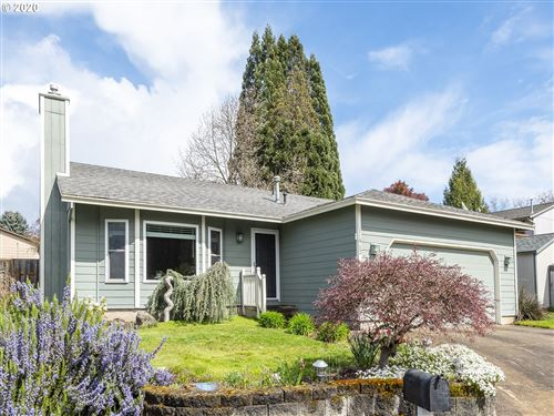Photo of 11912 SE LAMPLIGHTER AVE, Milwaukie, OR 97222 (MLS # 20008474)