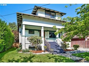 Photo of 1325 SE 31ST AVE, Portland, OR 97214 (MLS # 19078475)