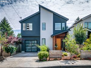 Photo of 8218 SE 19TH AVE, Portland, OR 97202 (MLS # 19175476)