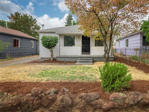 Photo of 6811 SE 87TH AVE, Portland, OR 97266 (MLS # 21311477)