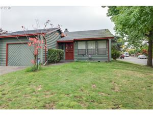 Photo of 2134 SE 60TH AVE, Portland, OR 97215 (MLS # 19493481)