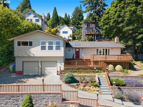 Photo of 3723 SW HILLSIDE DR, Portland, OR 97221 (MLS # 20124481)