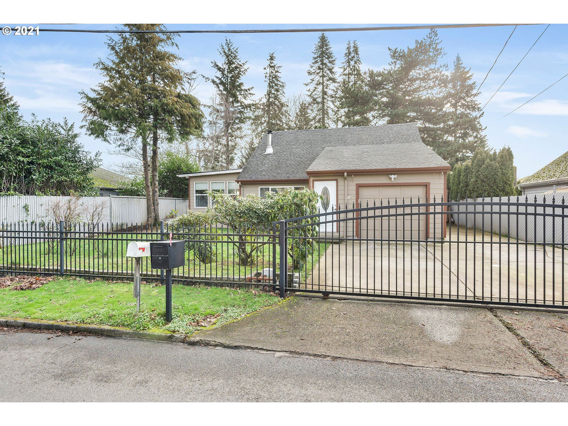 12230 SE LINCOLN ST, Portland, OR 97233 - MLS#: 21398482