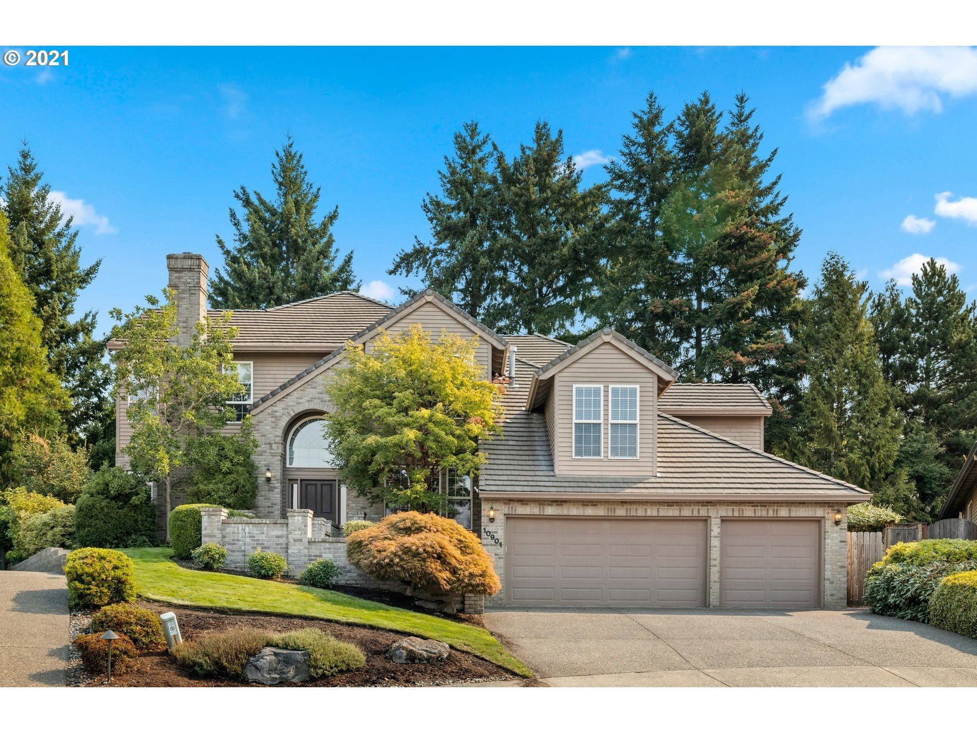 10901 NW LUCERNE CT, Portland, OR 97229 - MLS#: 21037485