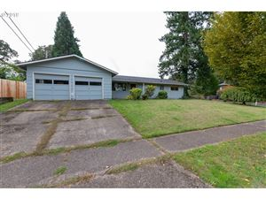 Photo of 6775 SW ROLLINGWOOD DR, Beaverton, OR 97008 (MLS # 19105486)