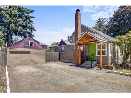 Photo of 8731 SE Rhone ST, Portland, OR 97266 (MLS # 21132486)