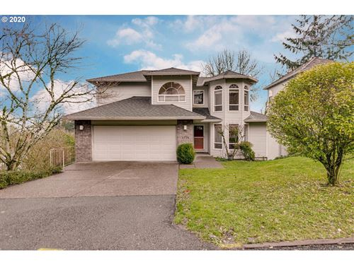 Photo of 5739 BROADWAY ST, West Linn, OR 97068 (MLS # 19303487)