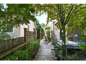Photo of 3703 SE 33RD AVE, Portland, OR 97202 (MLS # 19344488)