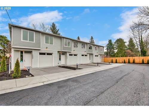 Photo of 2884 SE 87TH AVE, Portland, OR 97266 (MLS # 20133488)