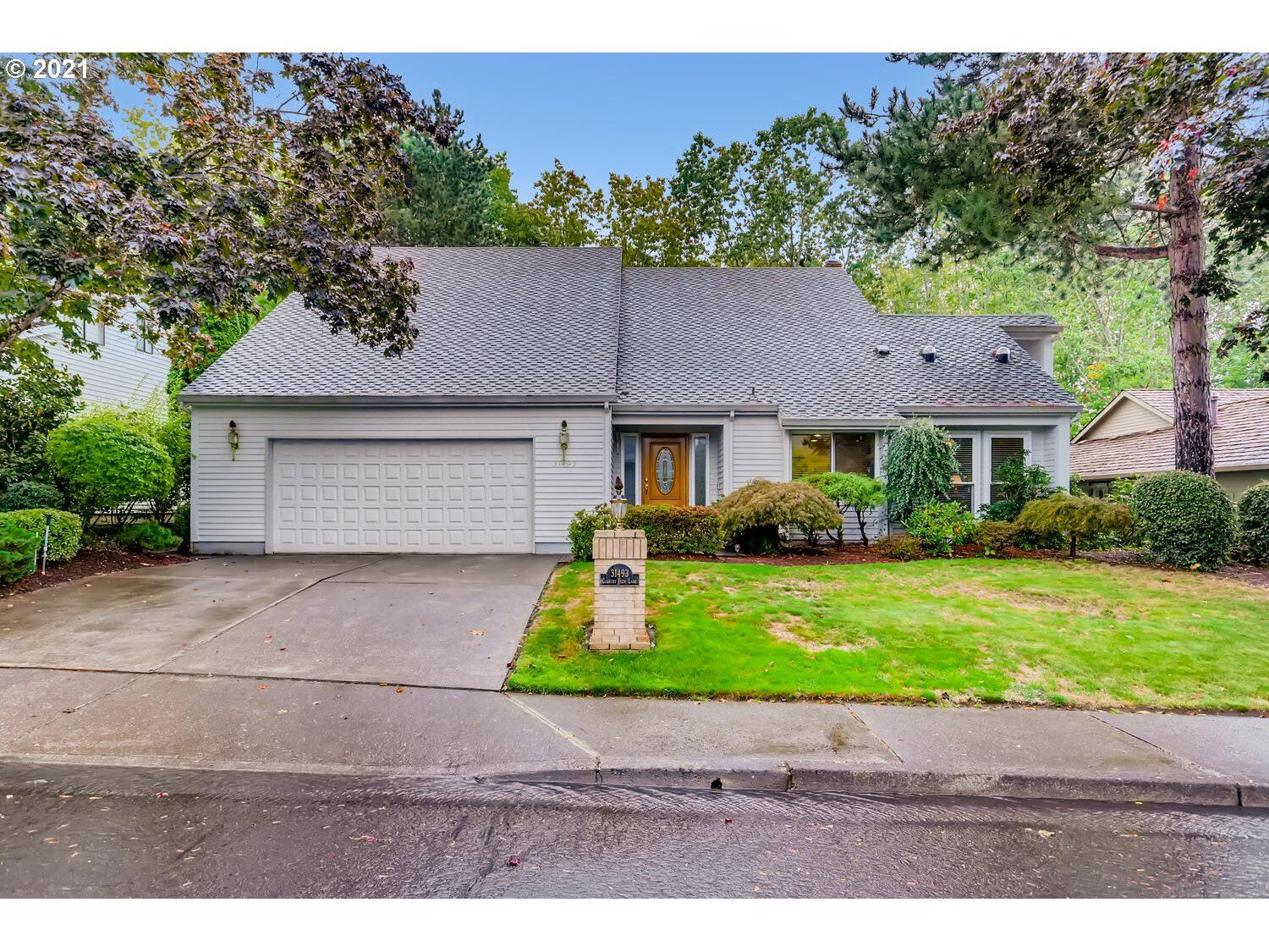 Photo of 31493 SW COUNTRY VIEW LN, Wilsonville, OR 97070 (MLS # 21524489)