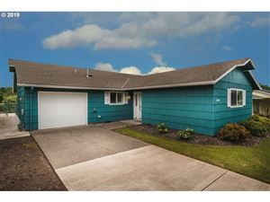 Photo of 16080 SW ROYALTY PKWY, King City, OR 97224 (MLS # 19383492)