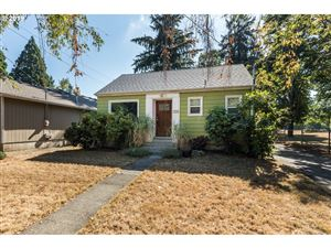 Photo of 7226 N WESTANNA AVE, Portland, OR 97203 (MLS # 19332494)