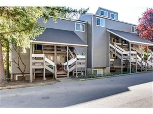 Photo of 4634 LOWER DR, Lake Oswego, OR 97035 (MLS # 19503494)