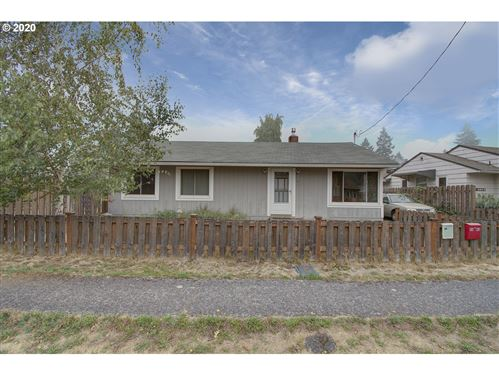 Photo of 3802 E MCLOUGHLIN BLVD, Vancouver, WA 98661 (MLS # 20407496)
