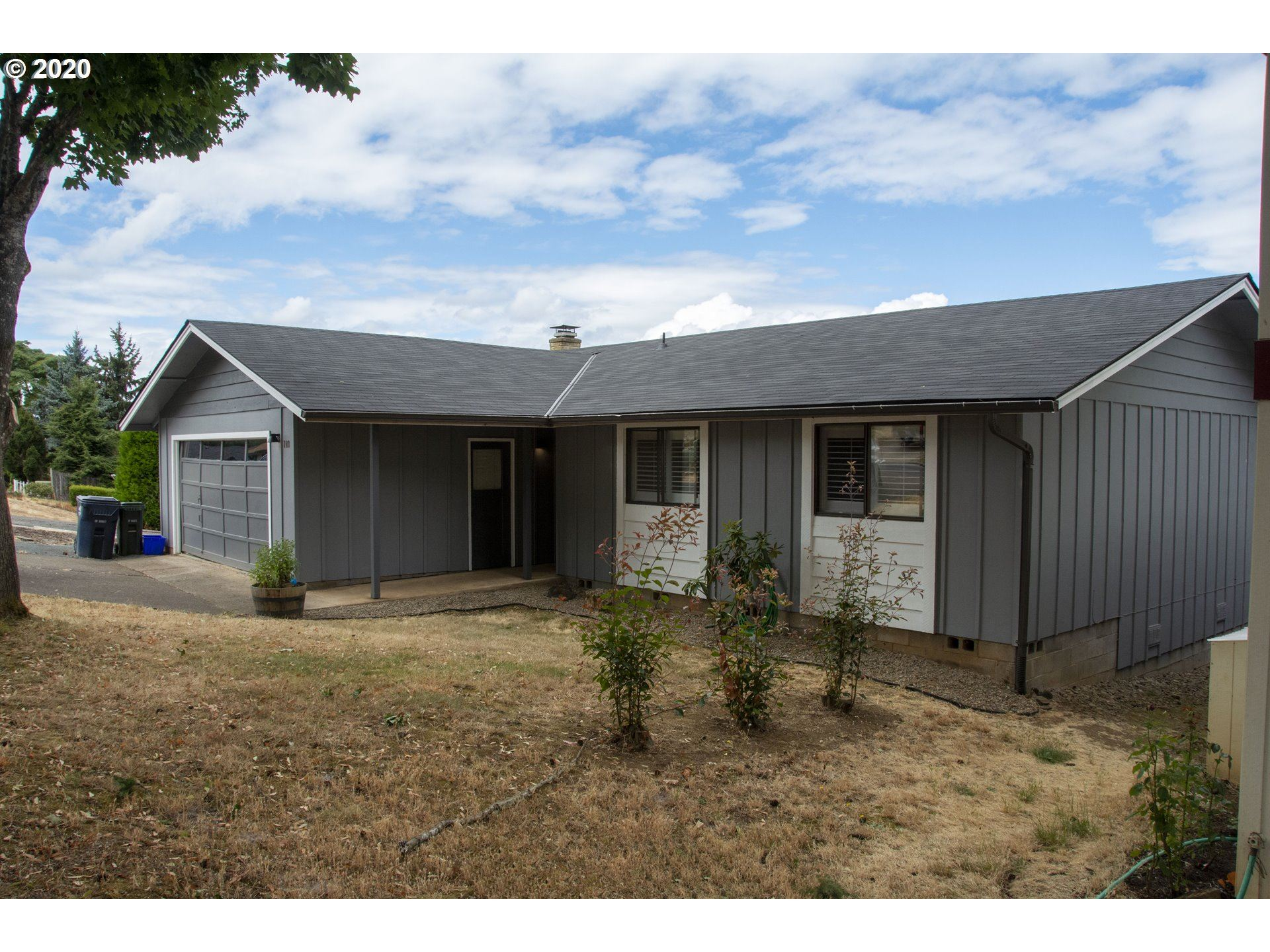 Photo for 709 KINGS ROW, Creswell, OR 97426 (MLS # 20501498)