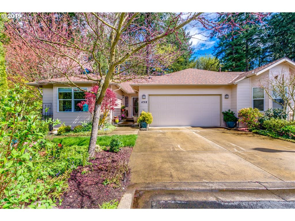 Photo for 498 NE FIRCREST PL, McMinnville, OR 97128 (MLS # 19367499)