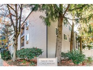 Photo of 6600 SE DIVISION ST 309, Portland, OR 97206 (MLS # 18168501)