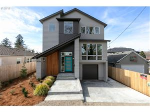 Photo of 7563 SE 37TH AVE, Portland, OR 97202 (MLS # 19389501)