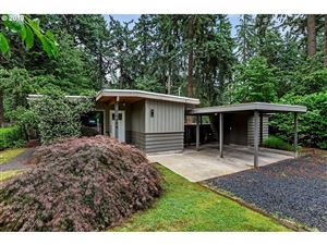 Photo of 16494 INVERURIE RD, Lake Oswego, OR 97035 (MLS # 19303503)