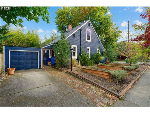 Photo of 8205 N PENINSULAR AVE, Portland, OR 97217 (MLS # 21136503)