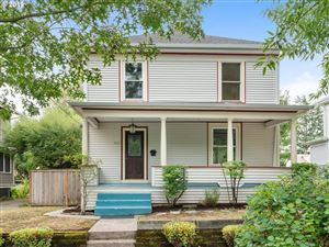 Photo of 2805 SE 36TH AVE, Portland, OR 97202 (MLS # 19183504)