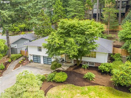 Photo of 17610 WESTVIEW DR, Lake Oswego, OR 97034 (MLS # 20437505)