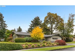 Photo of 1440 SW HUNTINGTON AVE, Portland, OR 97225 (MLS # 19418506)