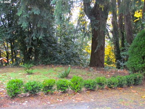 Photo of SW CHAMPLAIN DR, Portland, OR 97205 (MLS # 20074509)