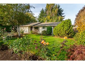 Photo of 905 MARIE AVE, Newberg, OR 97132 (MLS # 19512510)