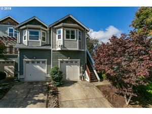 Photo of 4511 SE 40TH AVE, Portland, OR 97202 (MLS # 19005515)