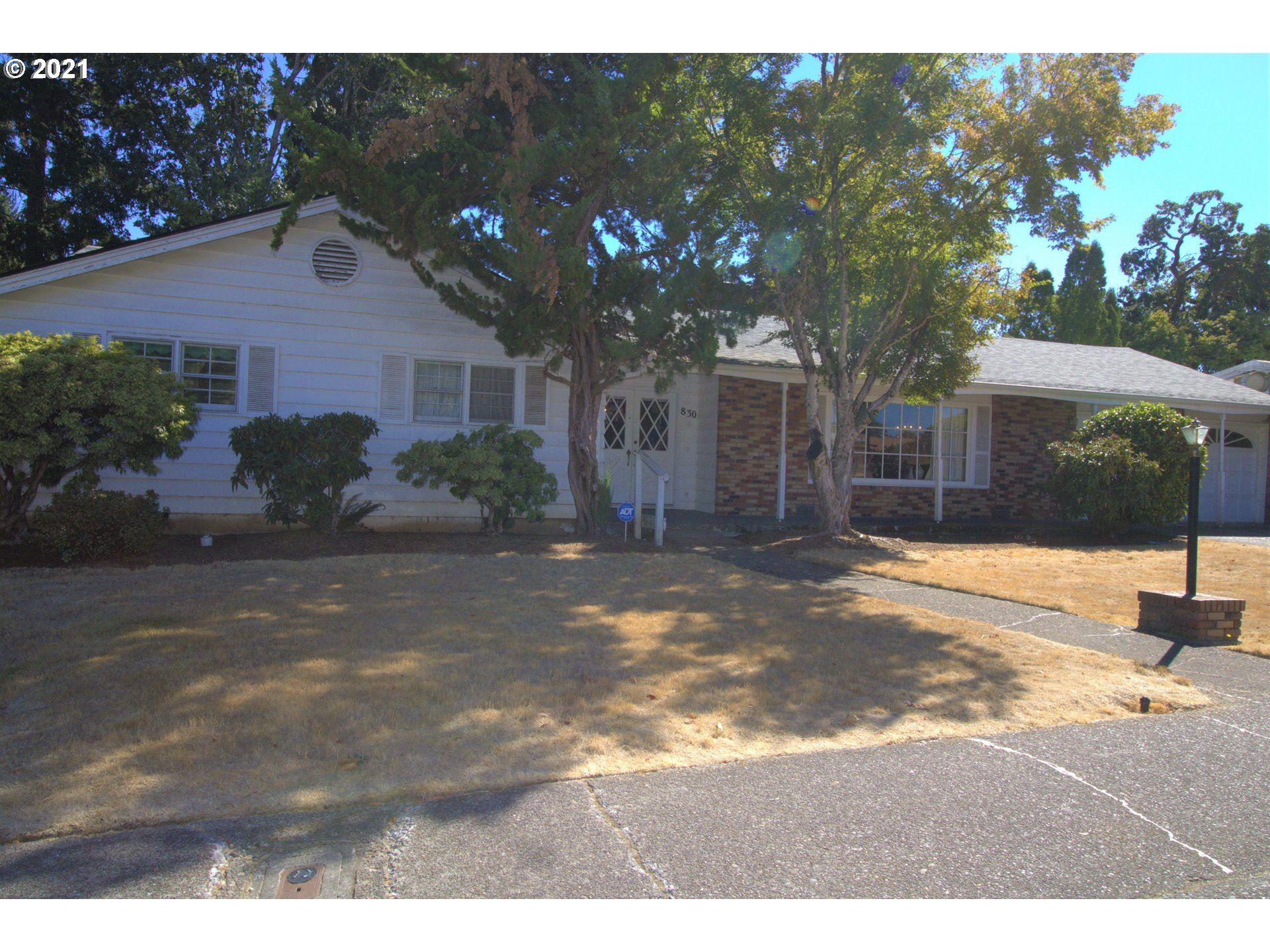 Photo of 830 CLARMOUNT ST NW, Salem, OR 97304 (MLS # 21542520)
