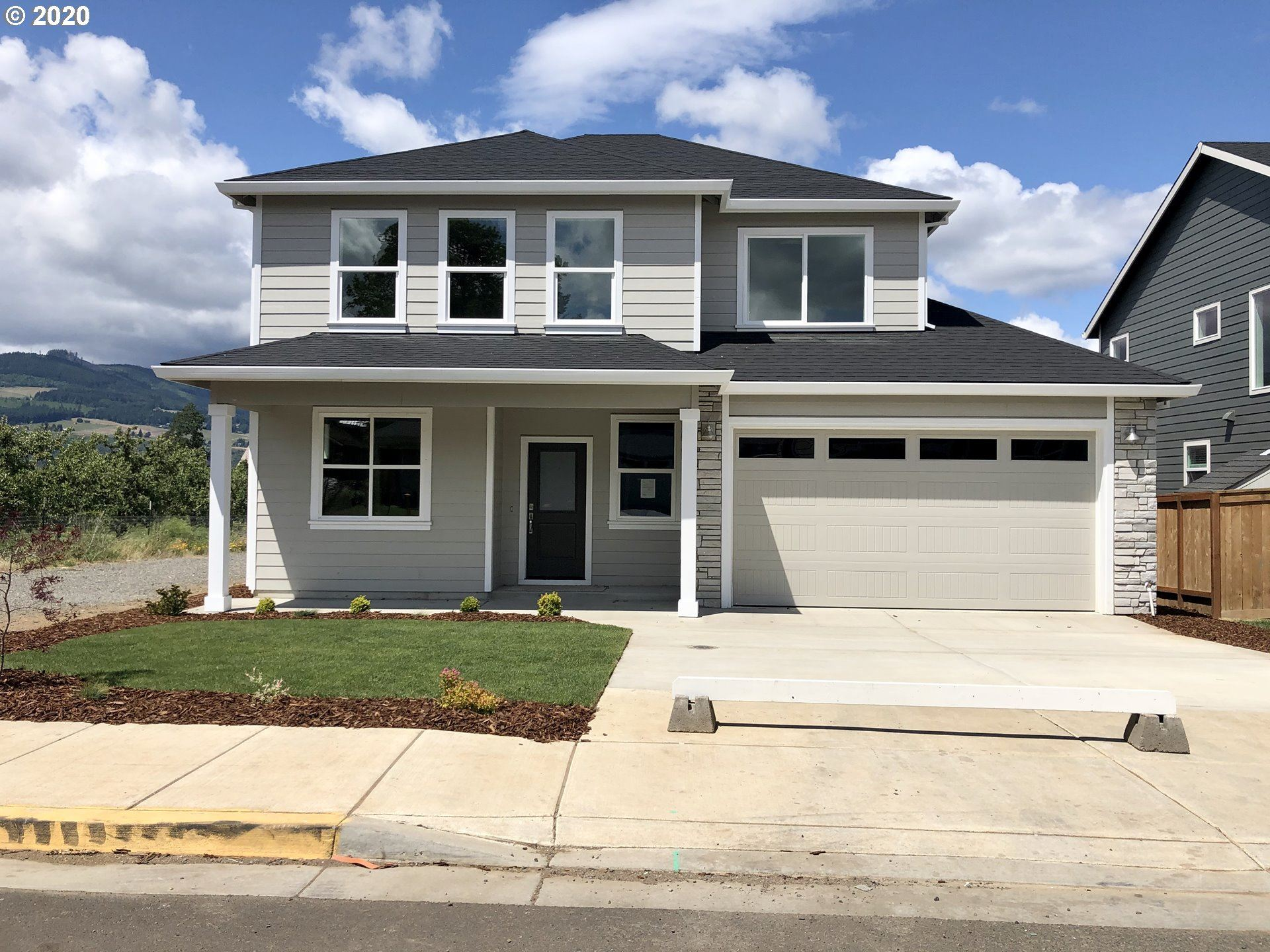 Photo of 2742 Lilly Drive, Hood River, OR 97031 (MLS # 20476523)