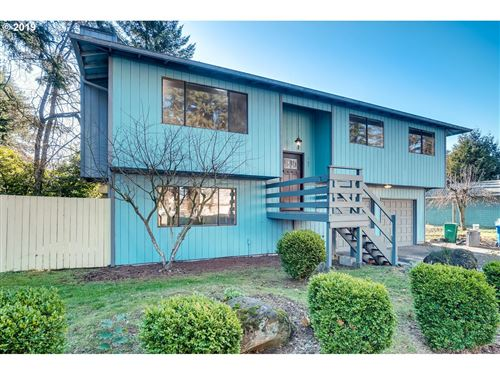 Photo of 127 SE 165TH AVE N, Portland, OR 97233 (MLS # 19249527)