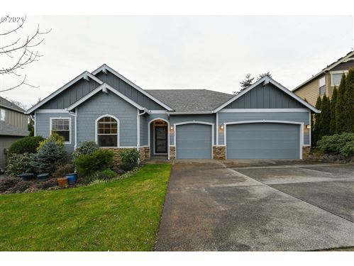 Photo of 839 NW SACAJAWEA PL, Camas, WA 98607 (MLS # 20075528)