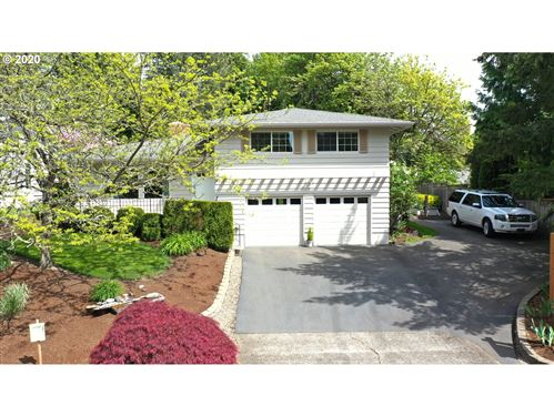 Photo of 5536 SW 53rd AVE, Portland, OR 97221 (MLS # 19658530)
