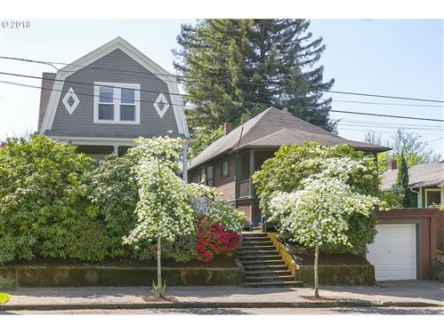 Photo of 1816 SE Taylor ST, Portland, OR 97214 (MLS # 20558531)